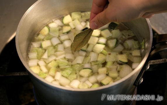 大麦と野菜のトマトスープ ポイント写真2