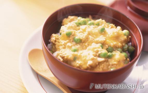 えんどう豆の卵とじ丼